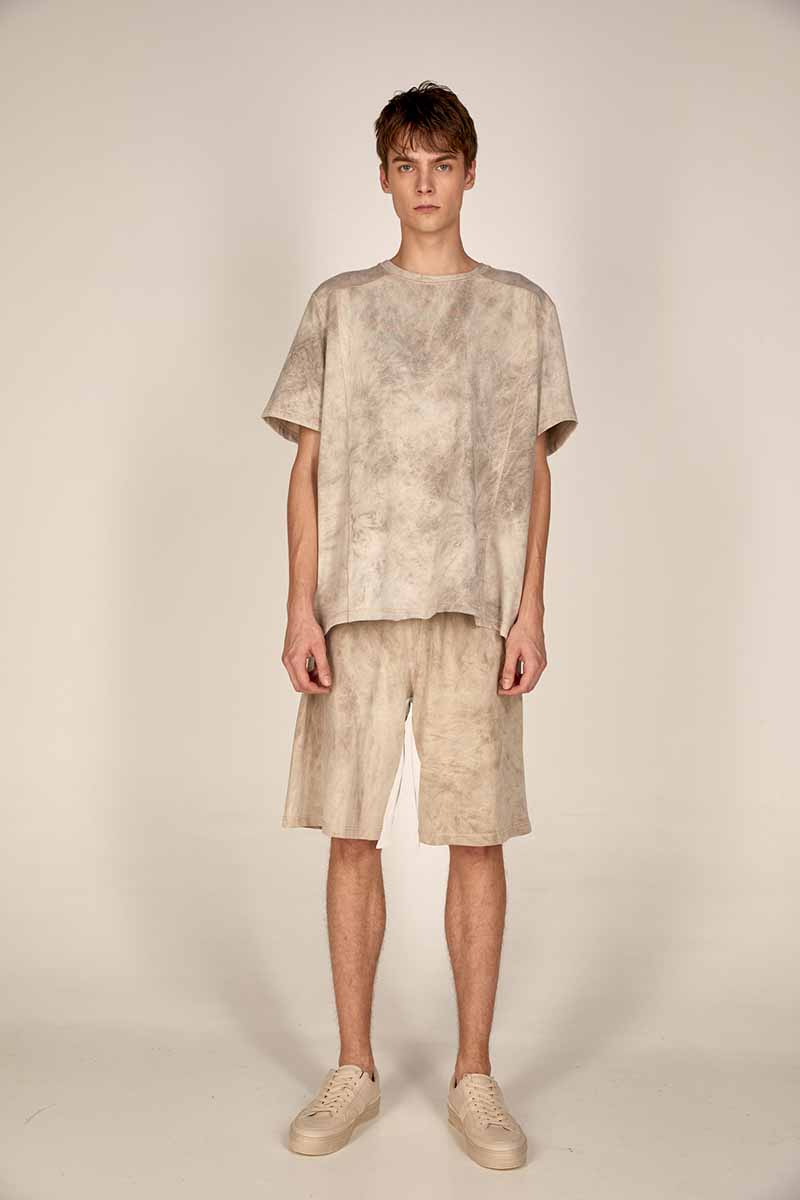 Oversized sweatshirt S21-M104 Sweater beige shorts S21-M301 - Dolce Domenica